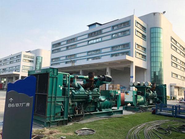 郑州某电子厂出租两台800KW康明斯发电机